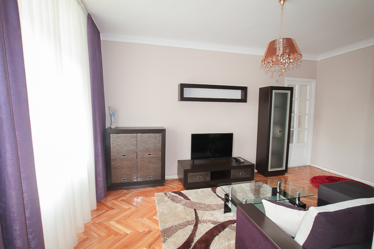 2 rooms apartment for rent in Chisinau, Bd. Stefan cel Mare 64