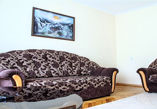 Rental for groups or families in Chisinau: 4 rooms, 3 bedrooms, 80 m²
