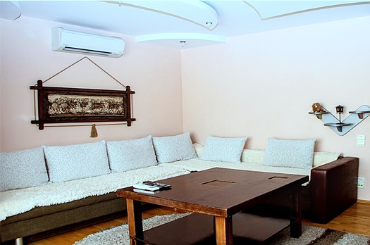 Very cheap apartment for rent in Chisinau: 2 rooms, 1 bedroom, 49 m²