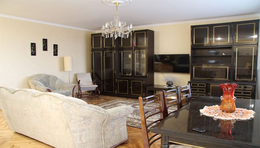 3 Rooms Apartment For Rent In Chisinau For 2 Couples