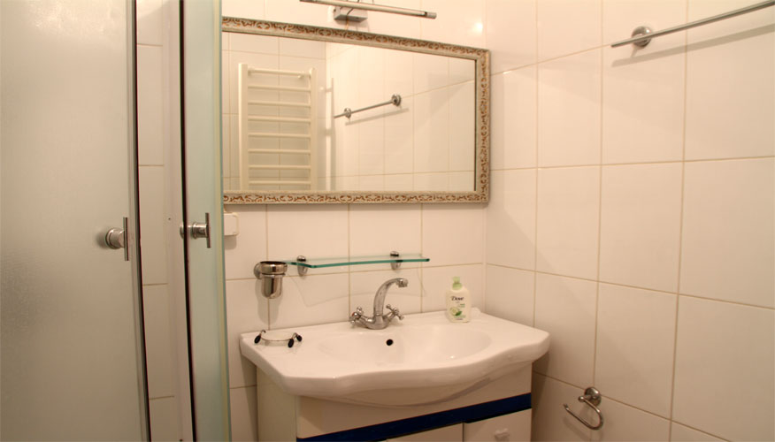 Armeneasca Apartment is a 2 rooms apartment for rent in Chisinau, Moldova
