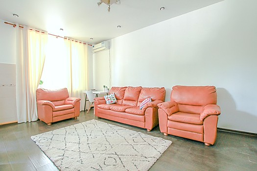 Spacious apartment for rent at a great price in Chisinau, Sculeni sector: 2 rooms, 1 bedroom, 65 m²