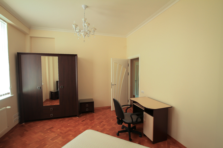 Perfect-rent-in-Chisinau-for-long-term-in-Chisinau-city-center (7 of 1).JPG