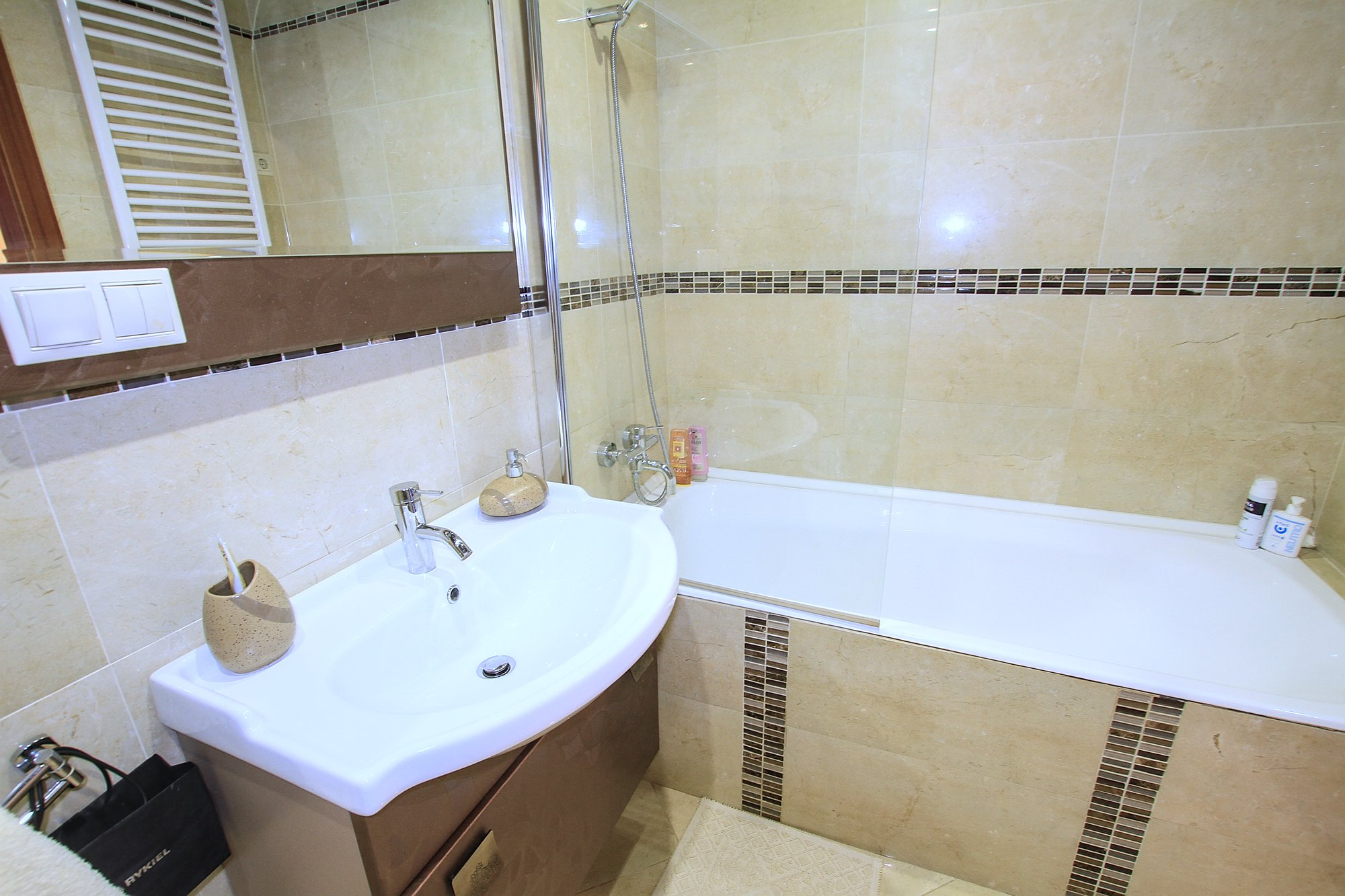A-40-3-room-apartment-for-rent-in-Chisinau-Botanica_07.jpg