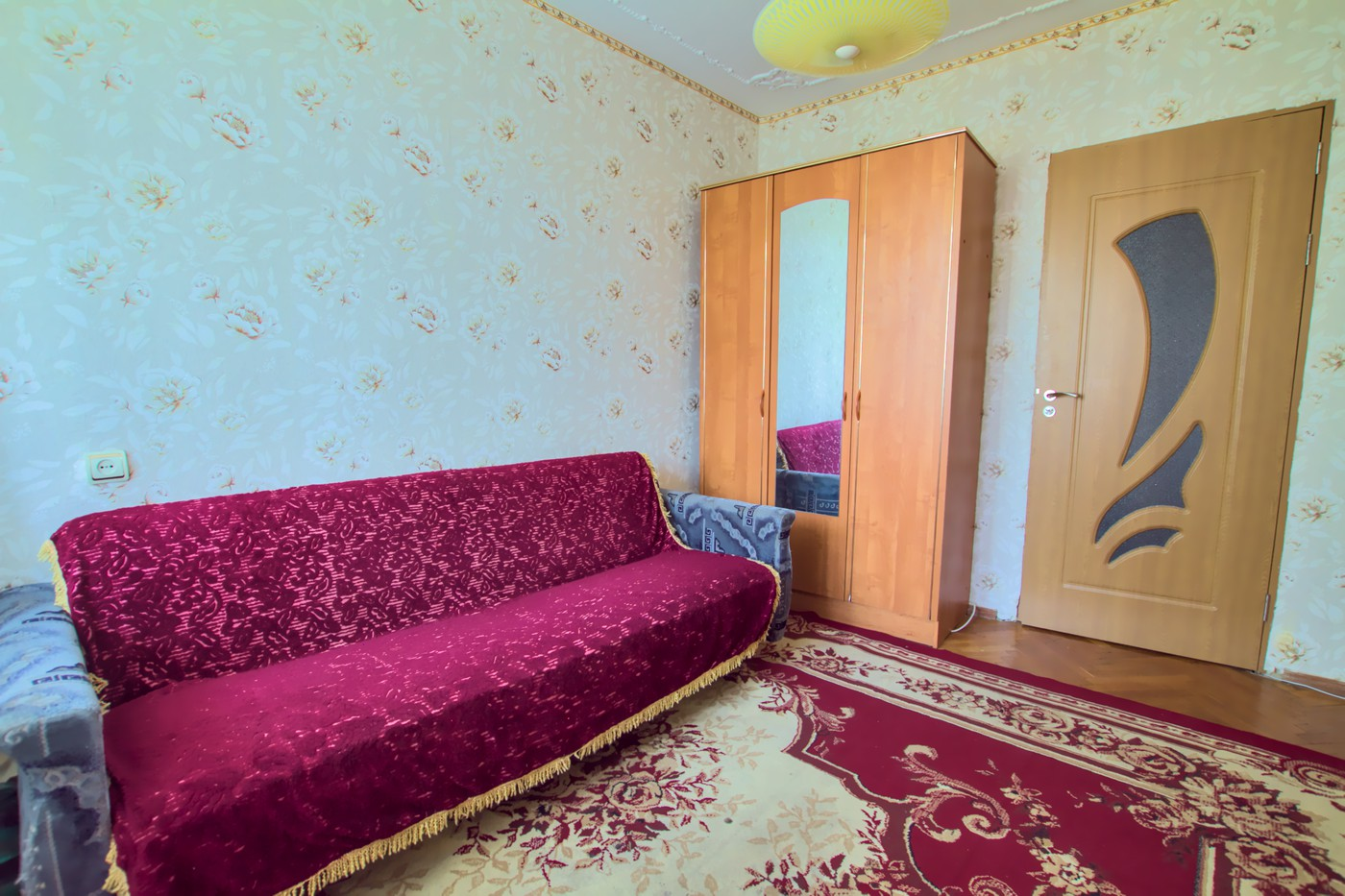 Cheap_rent_apartmet_Chisinau_Riscani_4.jpg