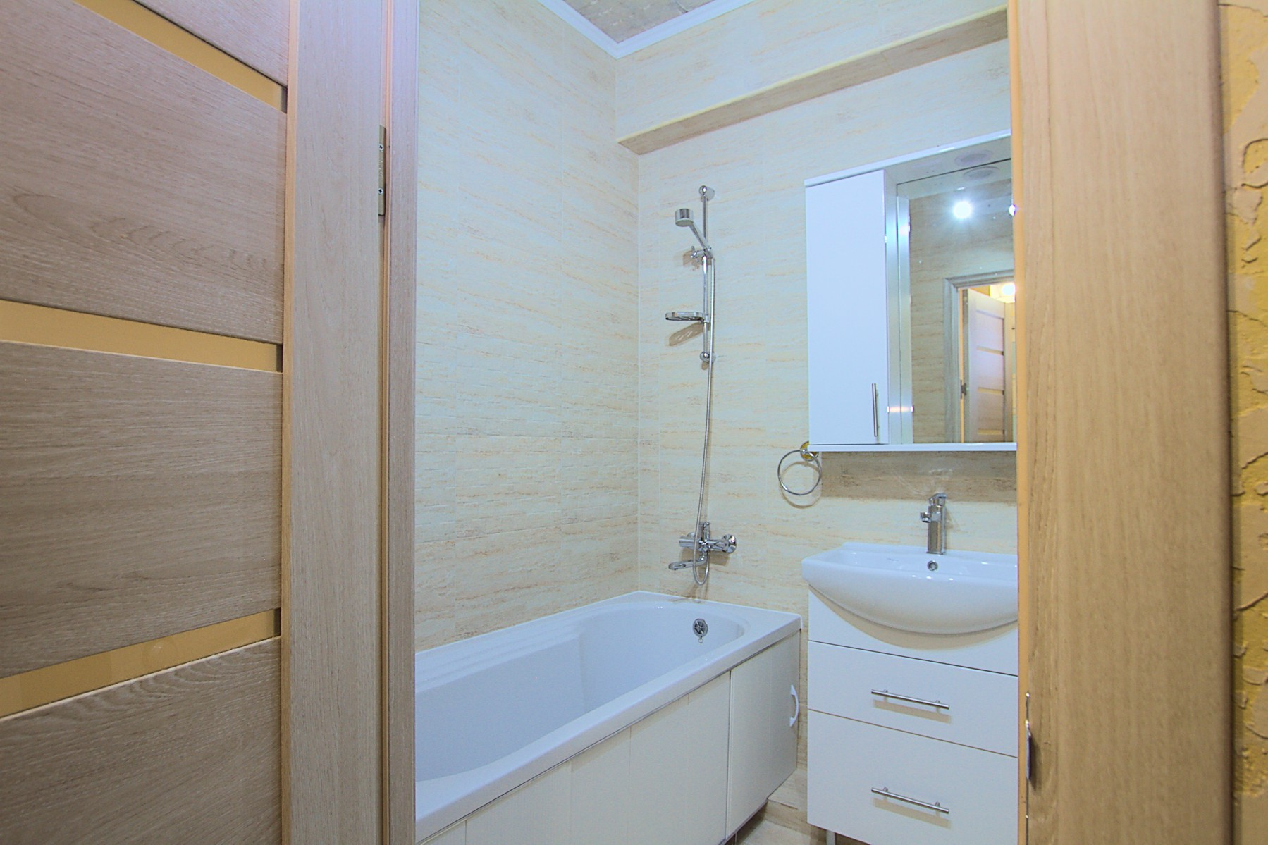 New apartment studio for rent in Chisinau: 1 room, 1 bedroom, 38 m²