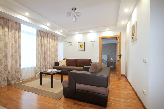 Long term Chisinau rental: 3 rooms, 2 bedrooms, 72 m²