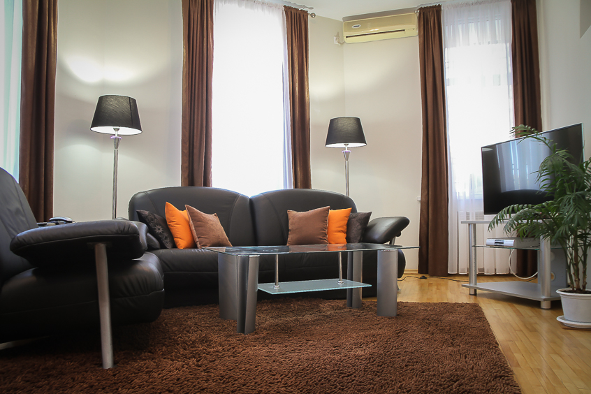Rent Chisinau apartment: 2 rooms, 1 bedroom, 45 m²