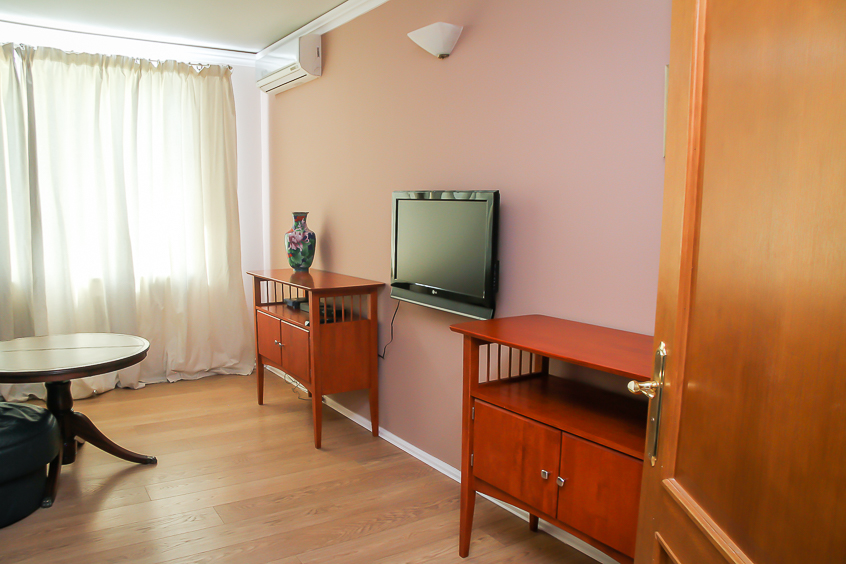 Apartment-for-Rent-in-Chisinau-for-6-people (2 of 1).jpg