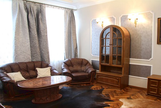 Chisinau rental. Apartment in center: 3 rooms, 1 bedroom, 53 m²